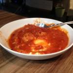 Eier in Tomatensauce