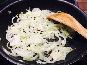 Puten-Steak auf Kichererbsen-Zwiebel-Creme (2)